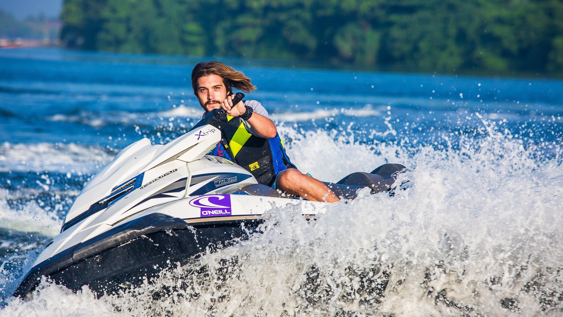 la-corse-pays-sports-nautiques.png