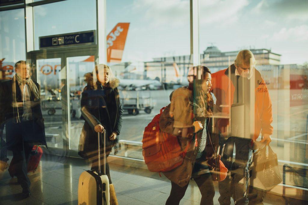 Hall de départ d'un aéroport